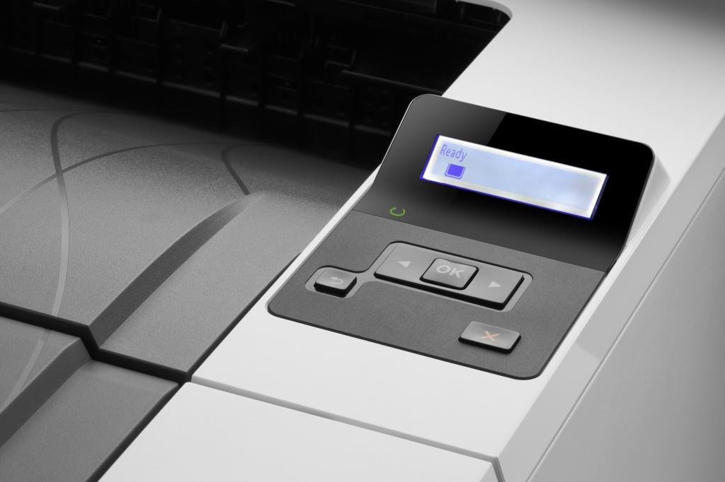 Принтер HP LaserJet Pro M304a с удобной панелью управления.jpg